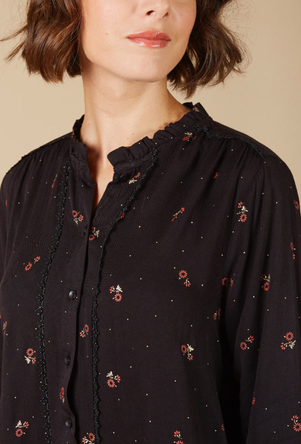 Black-shirt-with-flowers_Shirts_and_blouses_ava_dreamwithava-2v2
