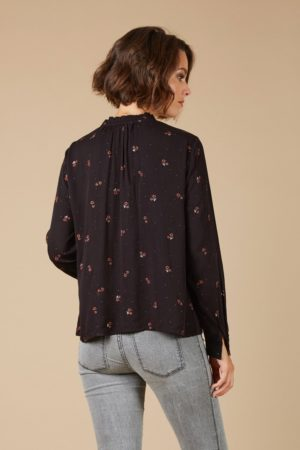 Black-shirt-with-flowers_Shirts_and_blouses_ava_dreamwithava-3v2