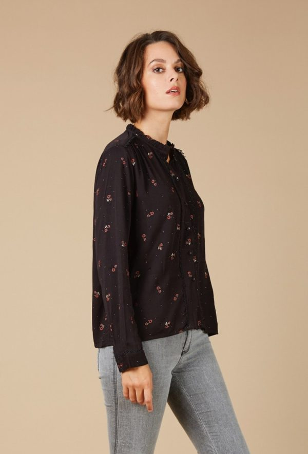 Black-shirt-with-flowers_Shirts_and_blouses_ava_dreamwithava-4v2