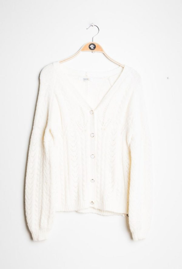 Cardigan-White_Jumpers_and_Cardigans-ava_deamwithava_1