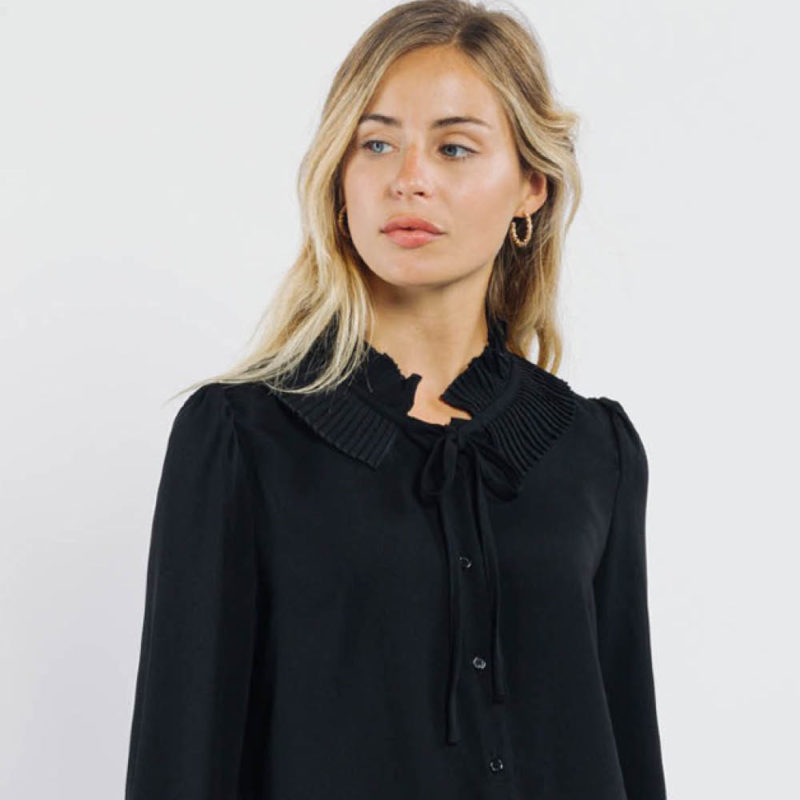 Black_shirt_Instagram_Shirts_and_blouses_ava_dreamwithava